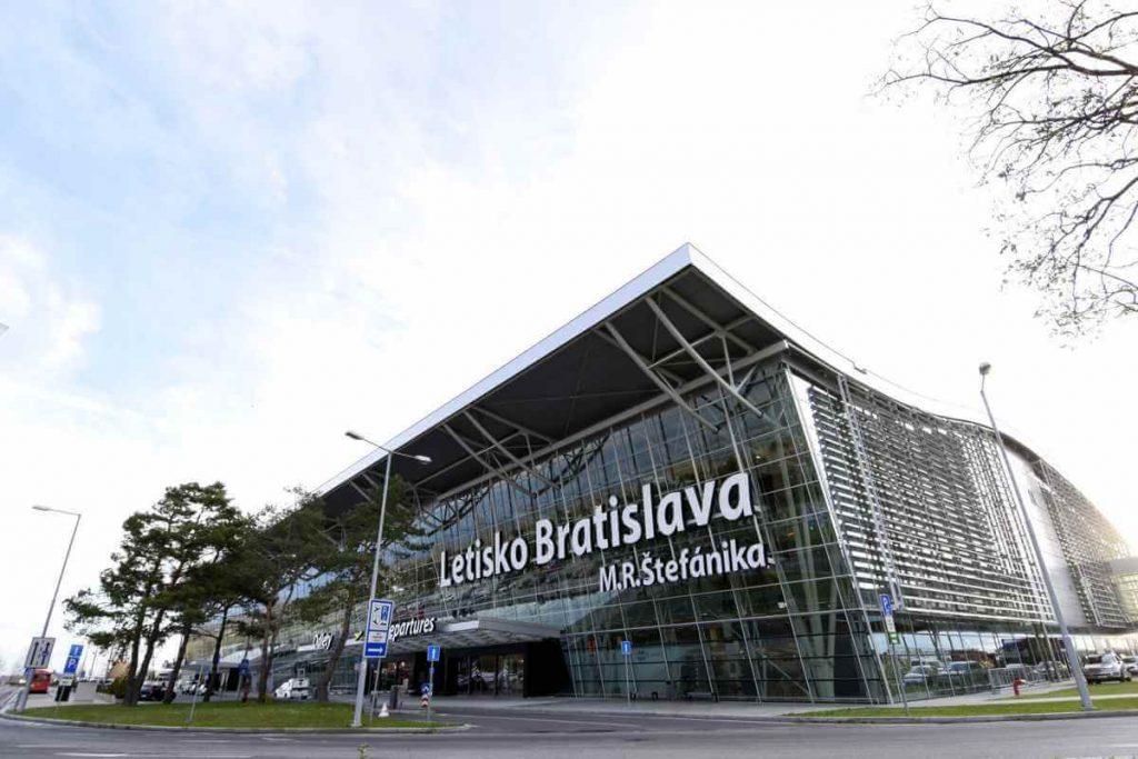 Taxi na letisko Bratislava M.R. Štefánika - Komfortne a výhodne od 15 €